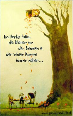 Im Herbst fallen die Blätter von der Bäume und der winter kommt immer näher